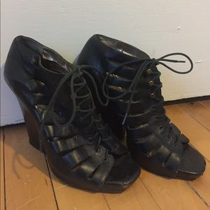 Dolce Vita black leather lace-up shoes